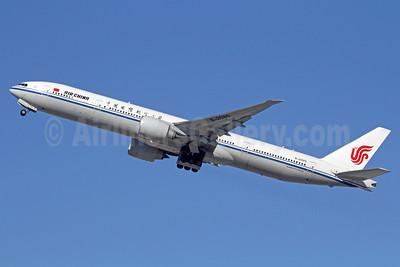 Air China Boeing 777-39L ER B-2089 (msn 38675) LAX (Michael B. Ing). Image: 910762.