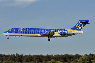 AirTran Airways Boeing 717-231 N932AT (msn 55073) (Brewers 1 - Milwaukee Brewers) BWI (Tony Storck). Image: 904965.