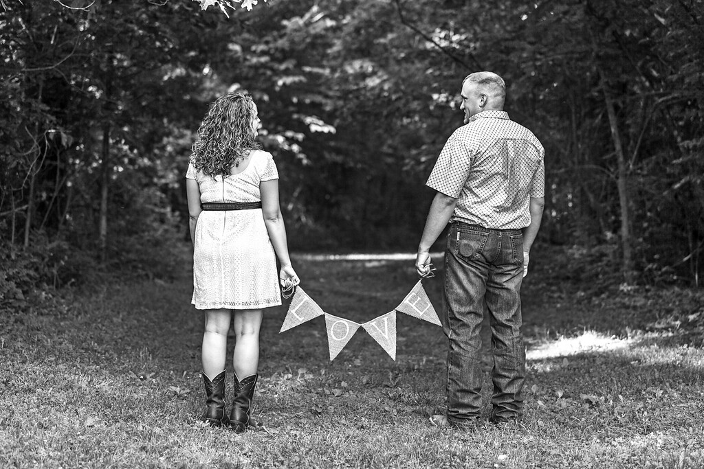 Carl and Lindsey E-Session-22b&w