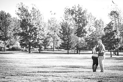 Joe and Becky E-session-17b&w