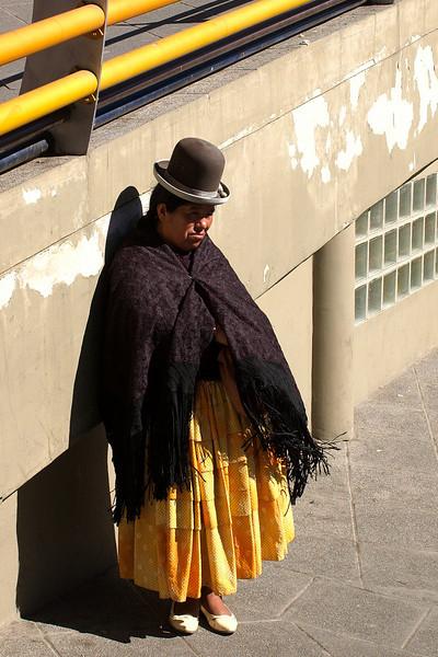 Cholita waiting in central La Paz.