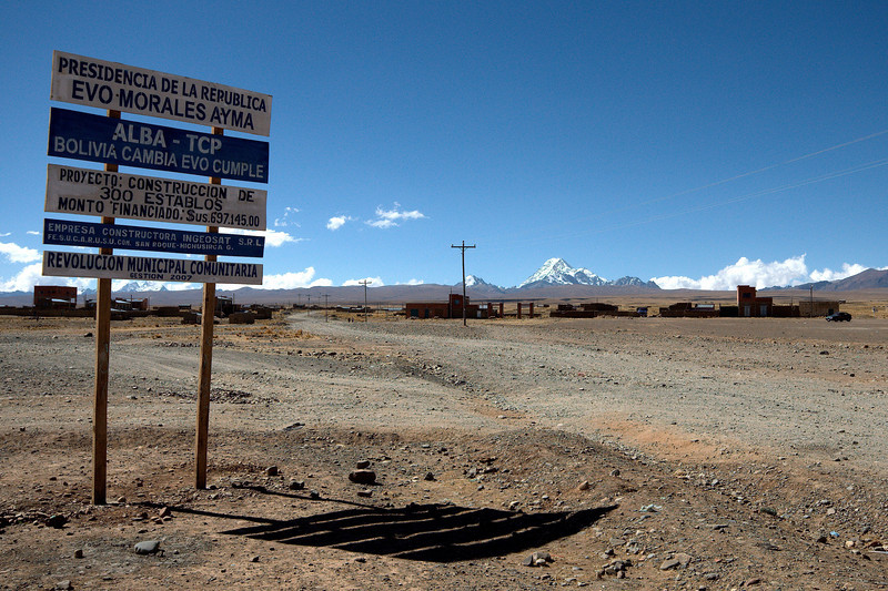 Sign on the outskirts of El Alto