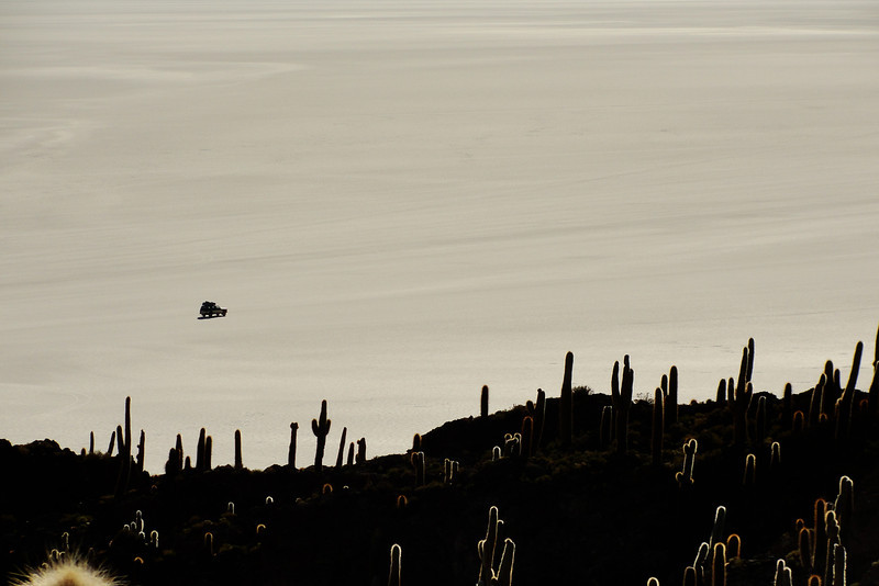 "Uyuni salt flats - driving <a href=""http://nomadicsamuel.com"">http://nomadicsamuel.com</a>"