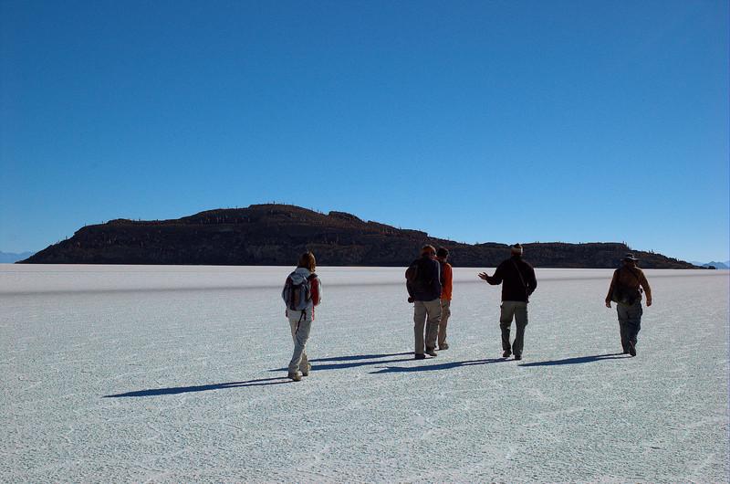 Mathilde, Jonathan, Jonas, Micheal and Yann walking towards Isla Incahuasi.