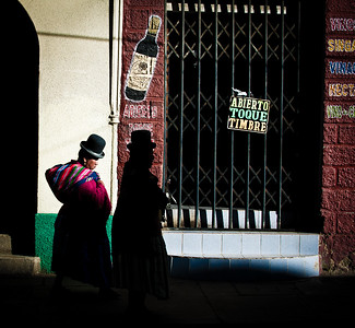 Two Bolivian women walking through La Paz, Bolivia