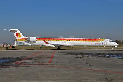 Air Nostrum-Iberia Regional Bombardier CRJ1000 (CL-600-2E25) EC-LJR (msn 19002) BLQ (Lucio Alfieri). Image: 905953.