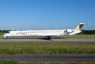 Brit Air (France) Bombardier CRJ1000 (CL-600-2E25) F-HMLA (msn 19004) NTE (Paul Bannwarth). Image: 913345.