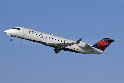 Delta Connection-ASA (Atlantic Southeast Airlines) Bombardier CRJ200 (CL-600-2B19) N857AS (msn 7411) ATL (Jay Selman). Image: 402065.