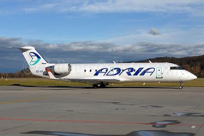 Adria Airways Bombardier CRJ200 (CL-600-2B19) S5-AAJ (msn 8010) ZRH (Rolf Wallner). Image: 906610.