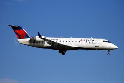 Delta Connection-Comair Bombardier CRJ100 (CL-600-2B19) N588SW (msn 7069) DCA (Bruce Drum). Image: 100765.