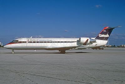Delta Connection-Comair Bombardier CRJ100 (CL-600-2B19) N708CA (msn 7235) MIA (Bruce Drum). Image: 103309.