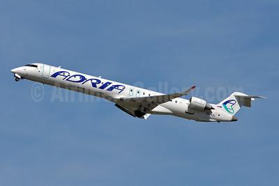 Adria Airways Bombardier CRJ900 (CL-600-2D24) S5-AAL (msn 15129) DUS (Tony Storck). Image: 909716.