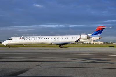 Delta Connection-SkyWest Airlines Bombardier CRJ900 (CL-600-2D24) N807SK (msn 15082) LGB (Stephen Tornblom). Image: 906097.
