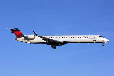 Delta Connection-Comair Bombardier CRJ900 (CL-600-2D24) N554CA (msn 15168) DCA (Brian McDonough). Image: 901927.
