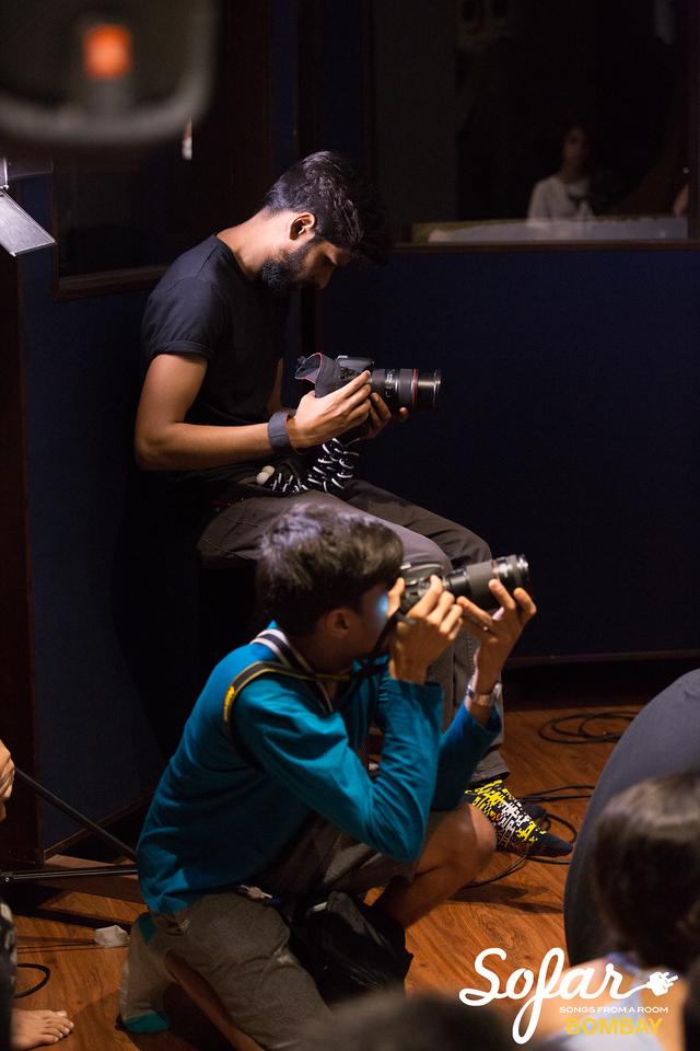 Sofar Sounds Bombay | Smalltalk, Abhinab Dan, iblinkwhenithink | 04 30 2017-16