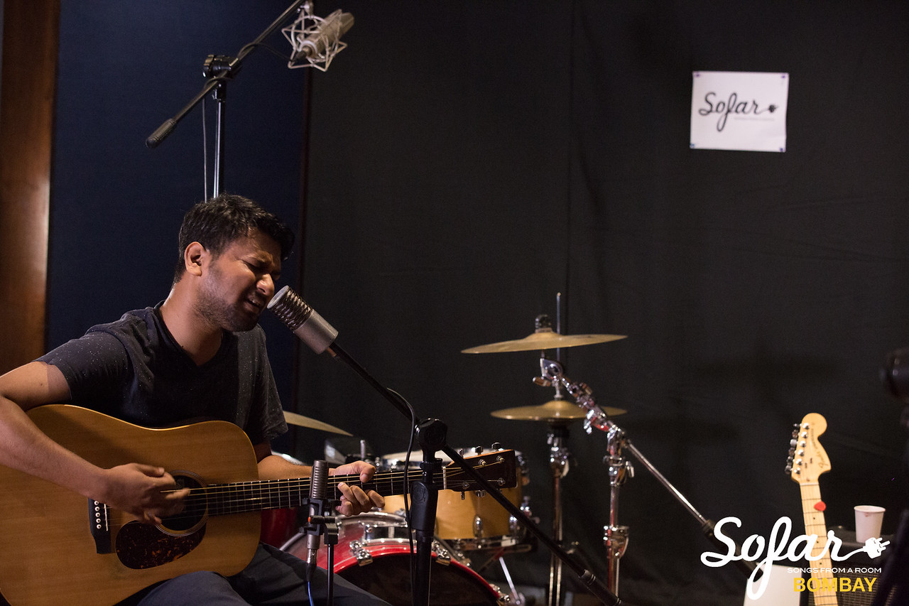 Sofar Sounds Bombay | Smalltalk, Abhinab Dan, iblinkwhenithink | 04 30 2017-26