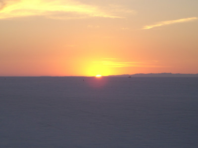Sunrise 8/15/05 Bonneville Salt Flats.  Tonya Turk Photo