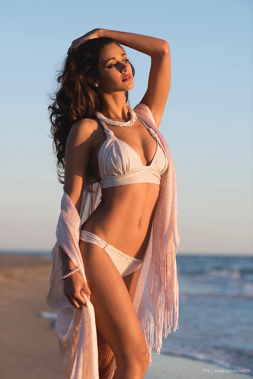 Aurore Kichenin  - book modele photo agence mannequin shooting plage Montpellier