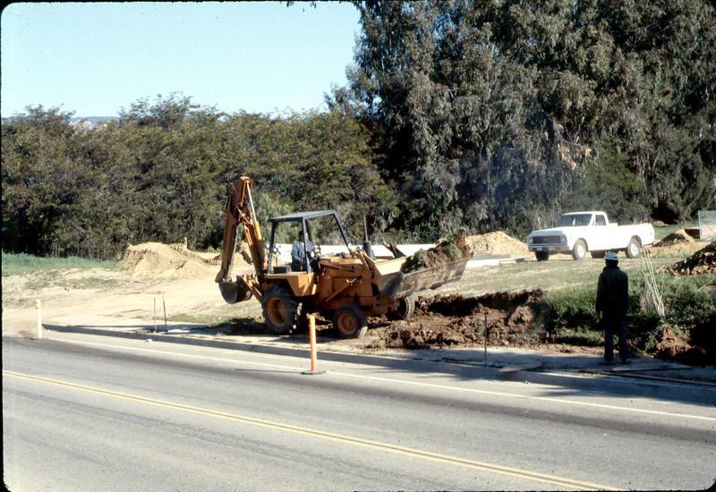 Sewer work, Jan. 1982. acc2005.001.0138