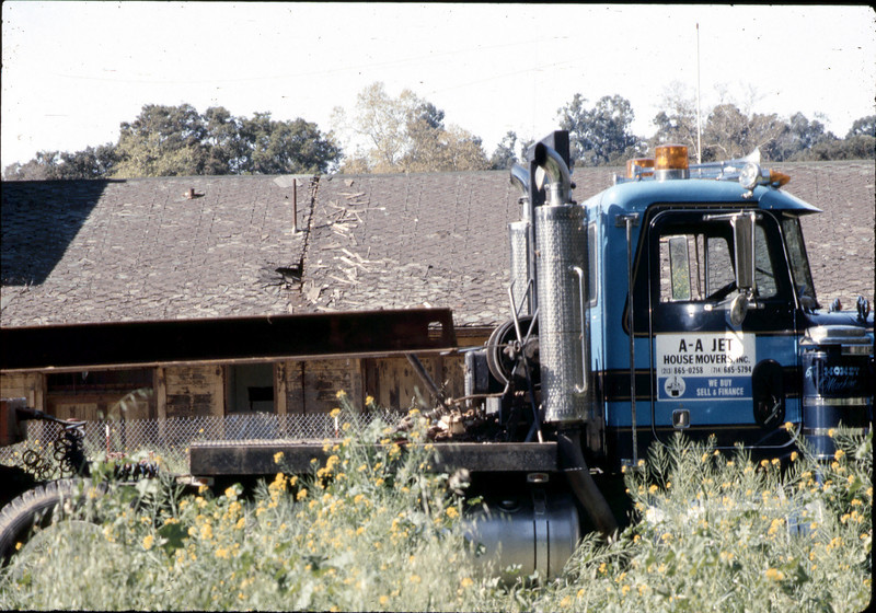 Mover's truck, 3/2/1982. acc2005.001.0178