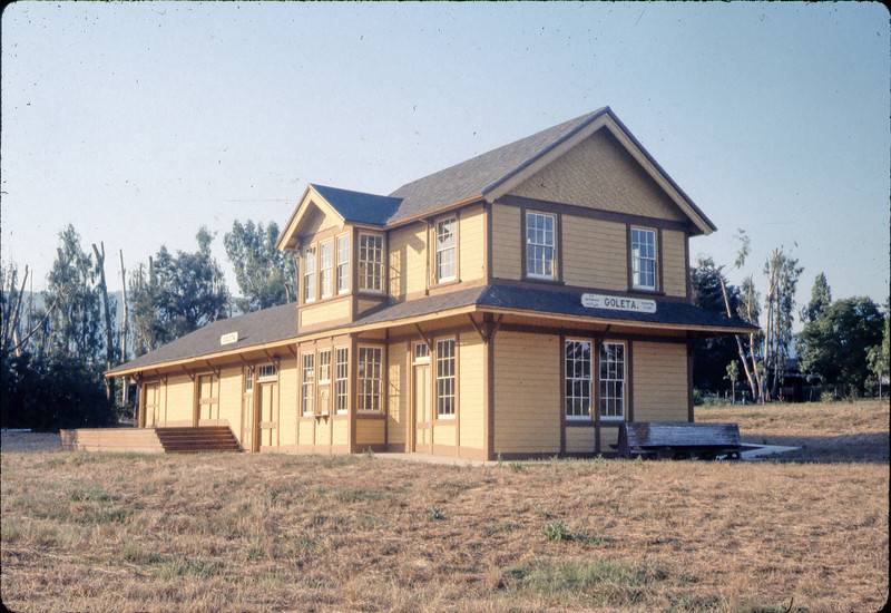 Goleta Depot, 7/1983. acc2005.001.0367