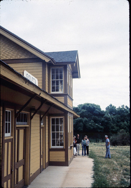 Ralph Moore gives a tour of Goleta Depot, Spring 1982. acc2005.001.0360