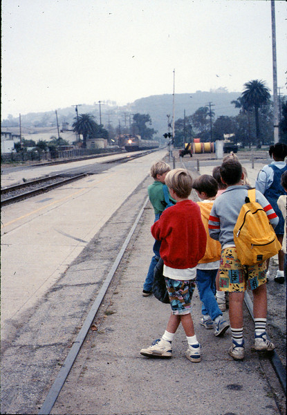 Museum leads Vieja Valley Elementary School rail trip to Glendale, 4/1989. acc2005.001.1062
