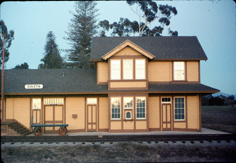 Goleta Depot front exterior, 12/1988. acc2005.001.1017