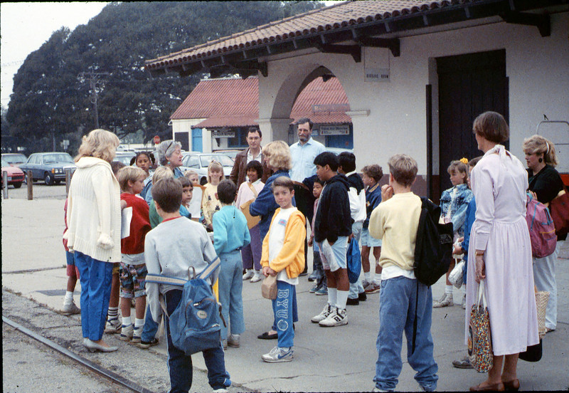 Museum leads Vieja Valley Elementary School rail trip to Glendale, 4/1989. acc2005.001.1060