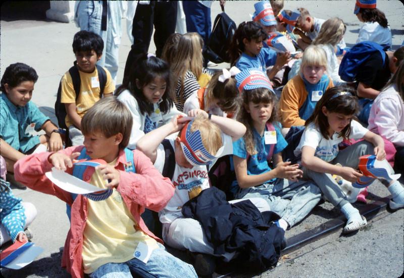 Kellogg Elementary School rail trip, 5/3/1990. acc2005.001.1332