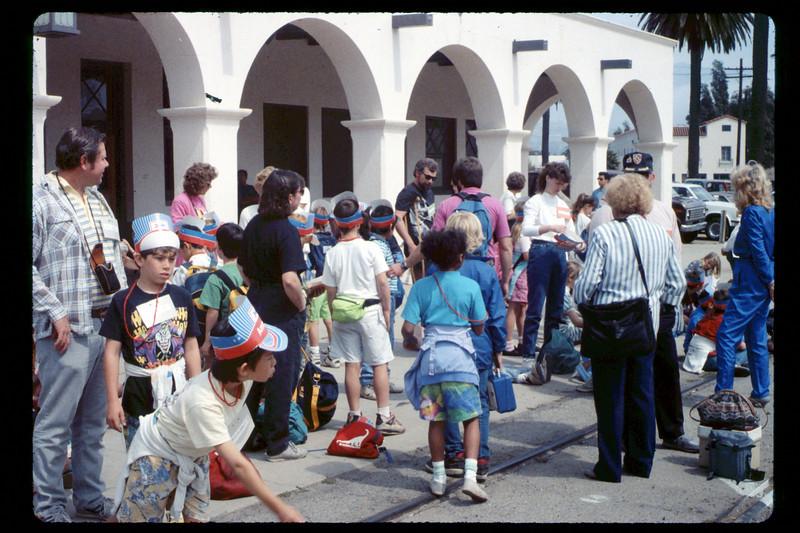 Foothill Elementary School rail trip, 3/22/1990. acc2005.001.1321