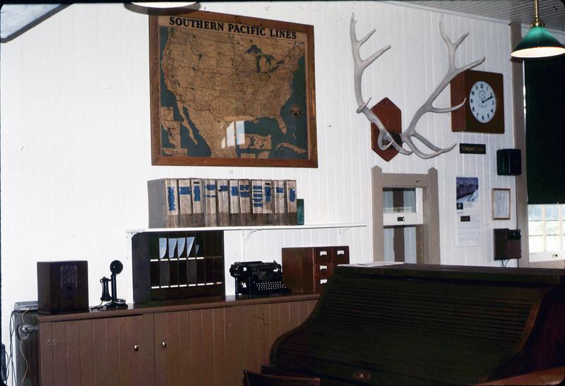 Goleta Depot Freight Office, 4/1986 acc2005.001.0572