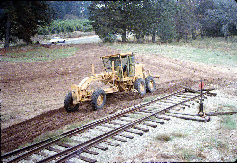 Banner Construction grades for standard-gauge track extension, 10/1986. acc2005.001.0645