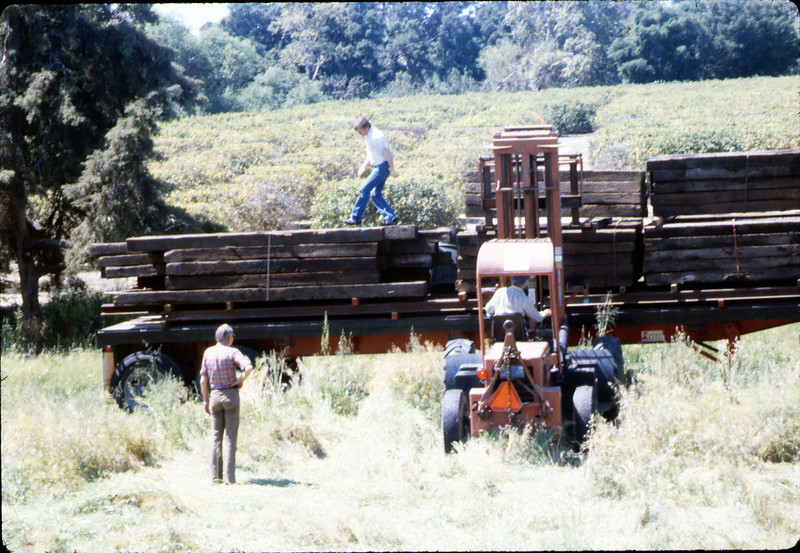 Laying of the standard-gauge track (Gene Allen), 4/2/1985 acc2005.001.0482