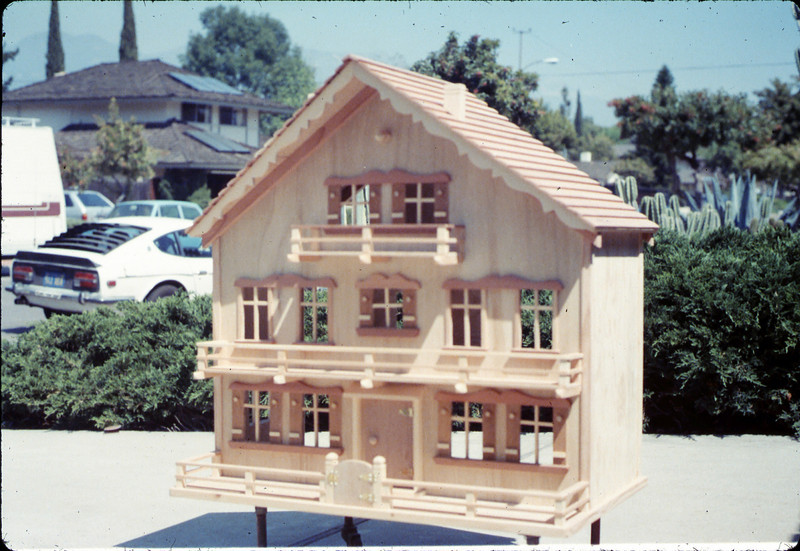 Doll house was donated by Albert Schneeclaus for a museum fundraiser, 1987 acc2005.001.0738