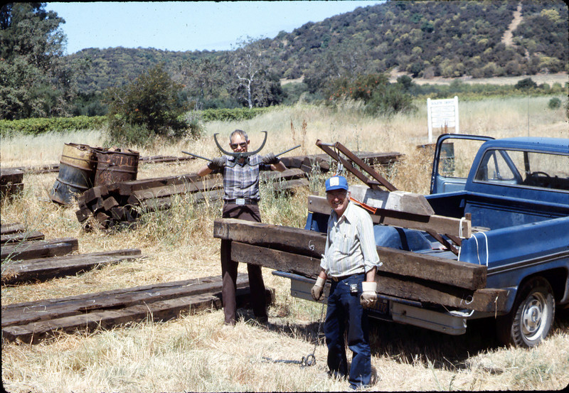 Standard-gauge track laying, 1985. acc2005.001.0532