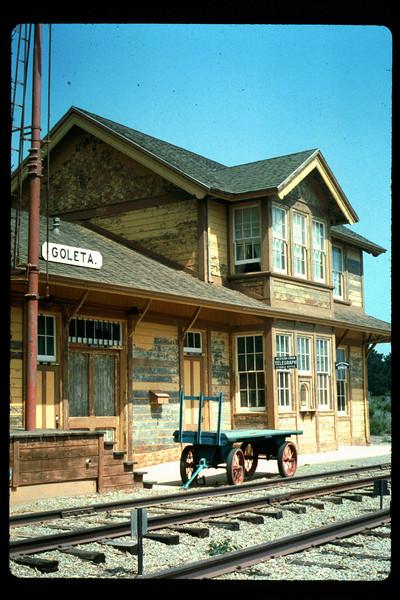 Goleta Depot gets a new coat of paint, 1992. acc2005.001.1621