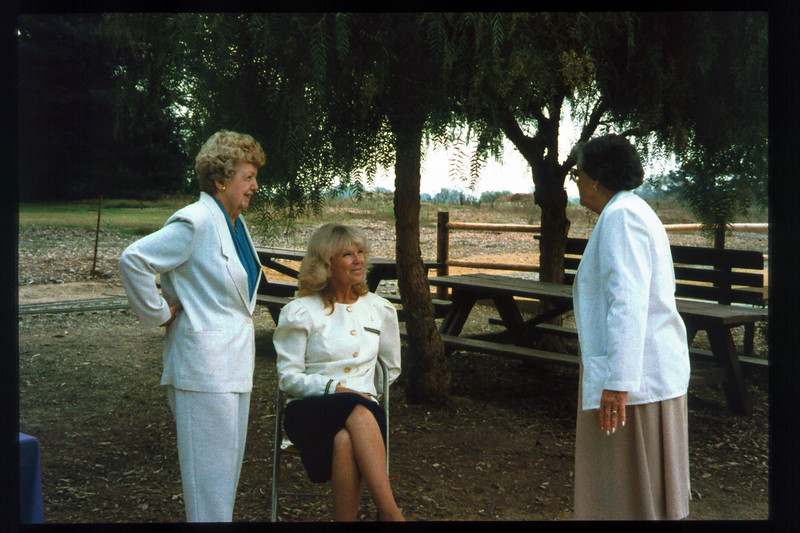 Memorial and tree-dedication honoring late museum benefactor Earl Hill (RoseAnn Hill, Phyllis Olsen, and Thelma Sullivan), 8/8/1992. acc2005.001.1663