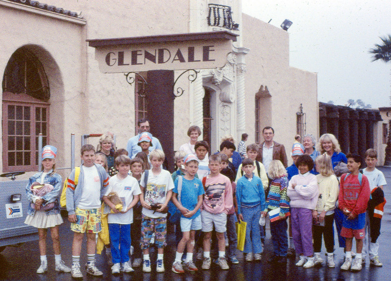 """Museum leads Vieja Valley Elementary School rail trip to Glendale, 4/1989. All of these photos were taken during school-group rail excursions that the museum organized. Pick one or two that you think best show these group fieldtrips. If this fieldtrip photo is your favorite, click on the """"ADD COMMENT"""" button at the lower left to tell us why you like this particular photo. Please include your name and contact information (Parental approval is required if you are under age 18). acc2005.001.1072"""