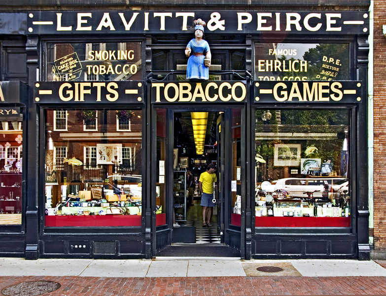 Leavitt & Peirce Tobacconist, Harvard Square, Cambridge, MA 2007