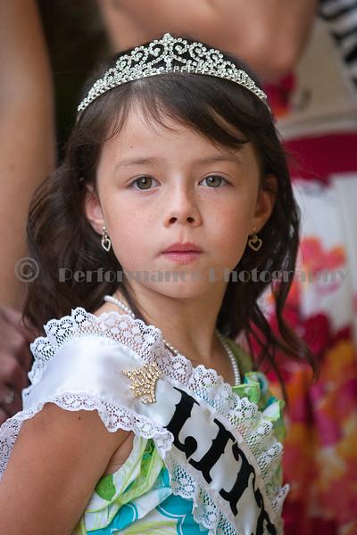 IMAGE: http://performancephoto.smugmug.com/Boone-County-Fair/2011/2011-Queen-and-Little-Miss/i-MD329Bc/1/L/9I9C8935-L.jpg