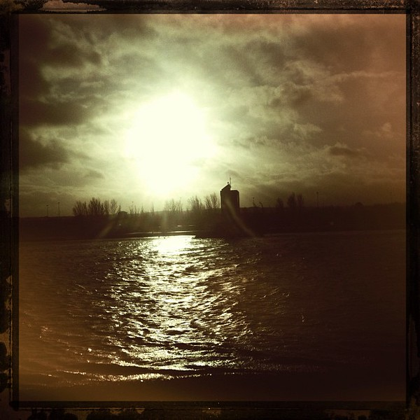 #janphotoaday #day_21 #reflection of sunlight off the water.
