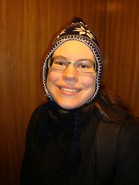 Susanne in her new hat