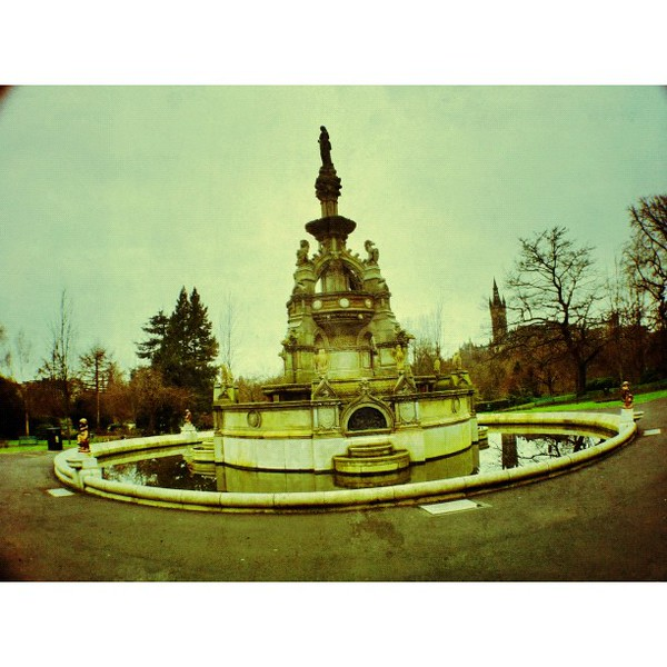 (very) ornate fountain in #kelvingrovepark  #glasgow