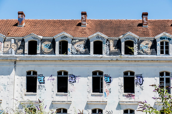 Graffiti, street art and street photography