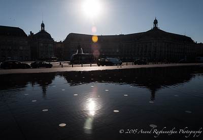 Le Miroir d'eau and Place de la Bourse with surface tram