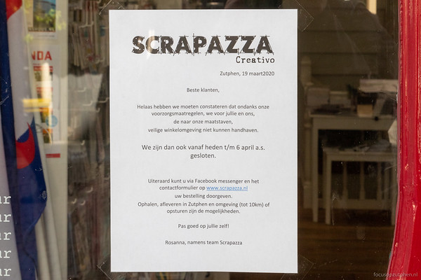 Scrapazza, Sprongstraat