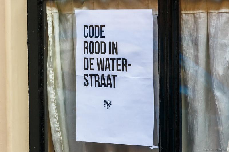 Code rood in de Waterstraat