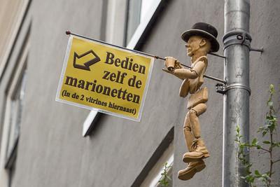 Bedien zelf de marionetten