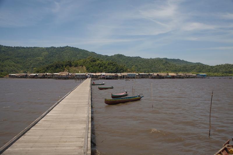 Penimbawan water village